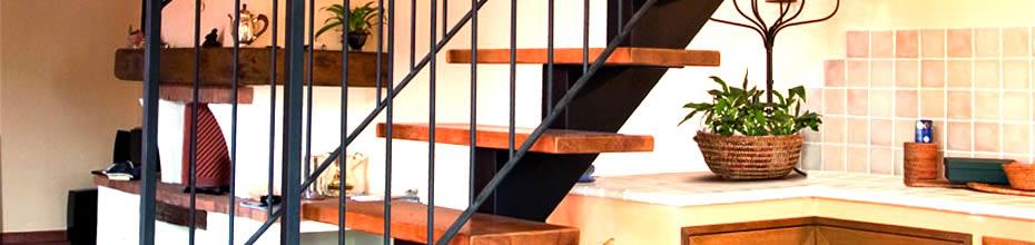 Foto di scala a rampa per interni