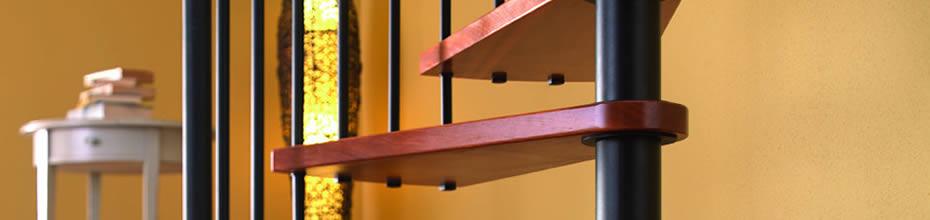 Foto gradini scala a chiocciola